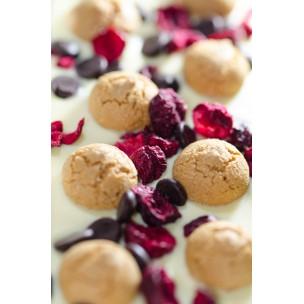 http://mandolero.de/556-thickbox_default/edelweiße-schokolade-mit-amarettisauerkirscheschokolinsen-100g.jpg